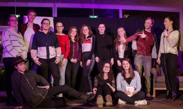 Poetry Slam mit Verlängerung und Elfmeterschießen: Sieger konnte erst nach spannendem Duell der Finalisten gekürt werden