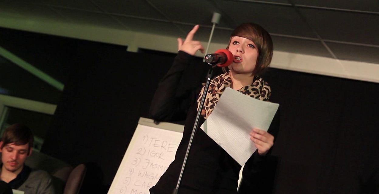 GV Poetry Slam 2012: Von übergroßen Blumen, Mist im Fernsehen und anderen Dingen