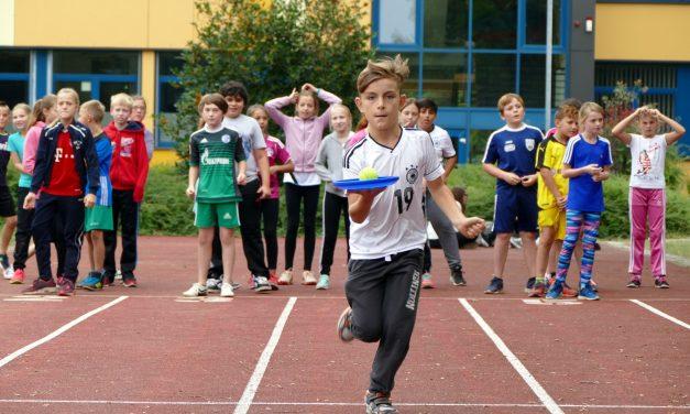 Fußballfest statt Unterricht: Das war der Sport- und Fußballtag in der Jahrgangsstufe 5