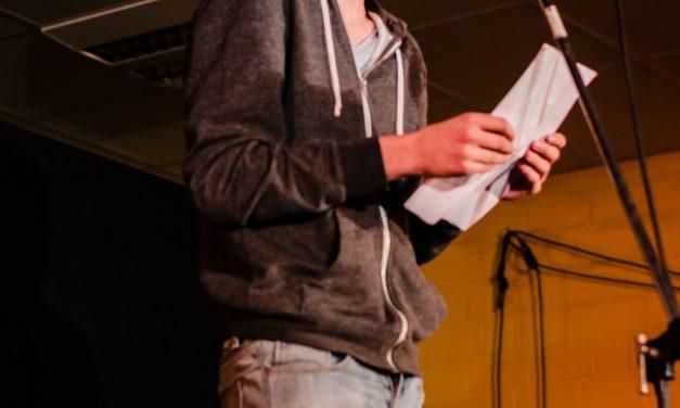"""""""Gott ist ein Psychopath"""" – Der Poetry Slam am GV begeisterte zum siebten Mal das Publikum"""