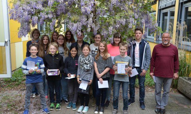 Mathe-Fans machen große Sprünge: 19 Schülerinnen und Schüler des GV gewinnen Preise beim Känguru-Wettbewerb