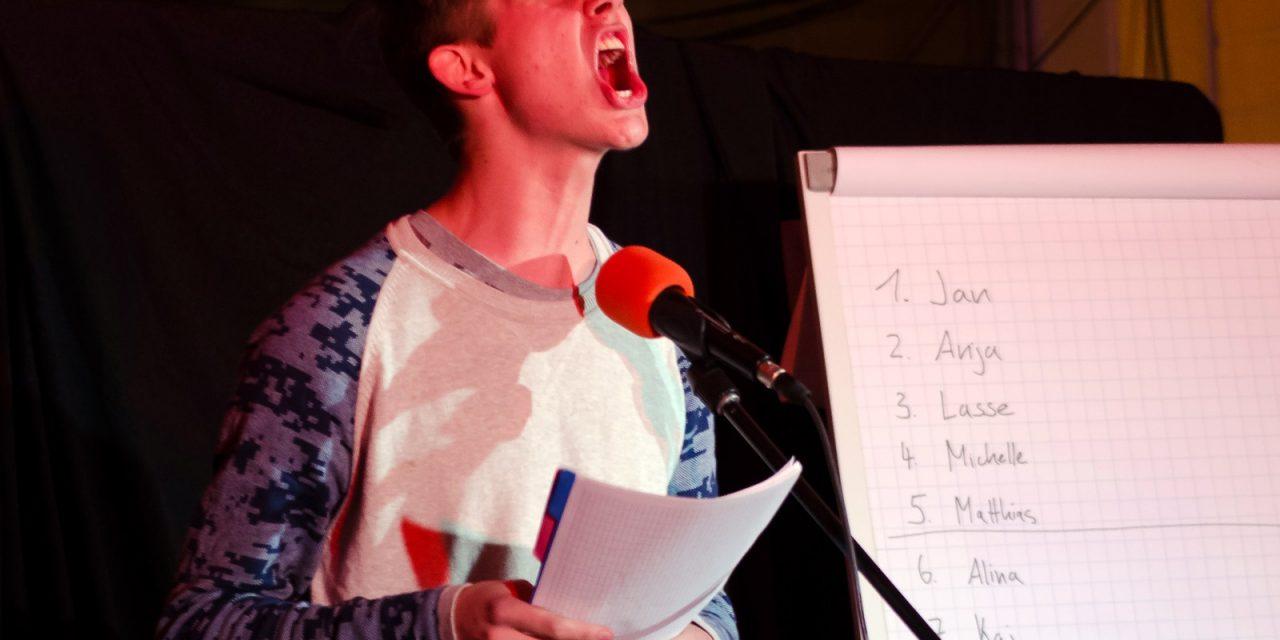 """""""Kabale und Diebe"""": Der Poetry Slam am GV begeisterte zum sechsten Mal das Publikum"""