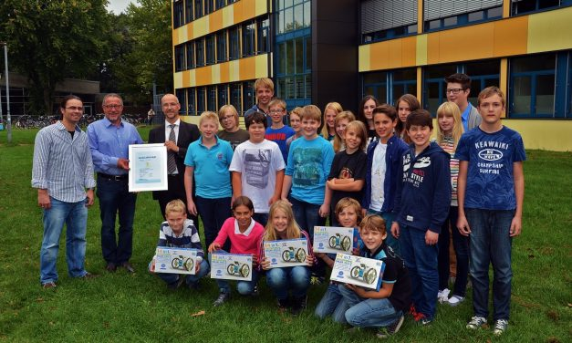 """Das Gymnasium Voerde ist Sieger im RWE Schulwettbewerb """"Energie mit Köpfchen"""""""