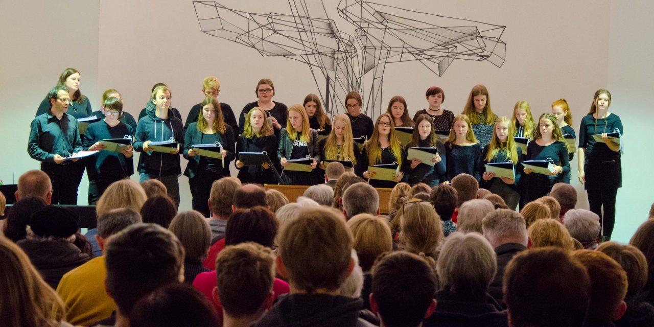 """""""Musizieren im Advent"""" – Gemeinsames Weihnachtskonzert von Evangelischer Kirchengemeinde und GV"""