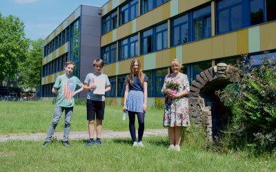 Erster Preis im Teamwettbewerb: Johan, Kira und Jan aus der 7b räumen beim Fremdsprachenwettbewerb ab